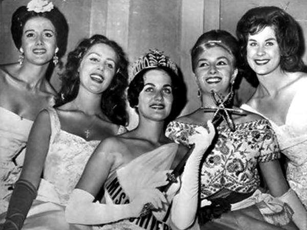 María Teresa del Río, Elizabeth Hodacs, Linda Jeanne Bement, Daniela Bianchi, Nicolette Joan Caras